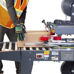 Máquina semiautomática para cerrar cajas de cartón con tracción superior/inferior y lateral - Modelo CCN-106