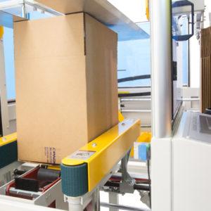 Armadora automática de cajas con máquina selladora de cinta inferior - Modelo CE-40